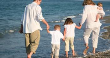 family_vacation_385x261
